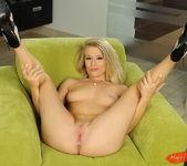 Michelle Moist - Magic Blondes 6
