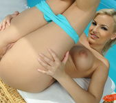 Eve Smile - Magic Blondes 8