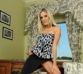 Neilla - Magic Blondes 2
