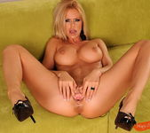 Wivien - Magic Blondes 10