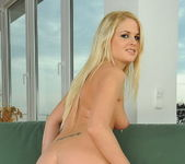 Charlotte Flame - Magic Blondes 5