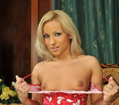 Candy - Magic Blondes 3