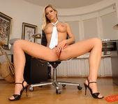 Wivien - Magic Blondes 6