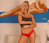Wivien - Magic Blondes 7