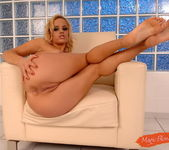 Janny - Magic Blondes 8