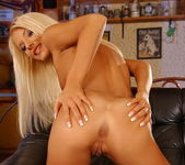 Jordan Green - Magic Blondes 8