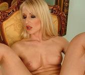 Jasmin - Magic Blondes 15