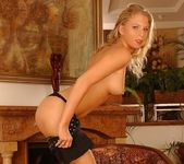 Nadja - Magic Blondes 4