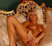 Katalina - Magic Blondes 8