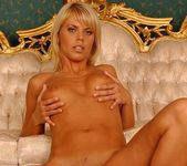 Katalina - Magic Blondes 10
