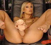 Carol Goldnerova - Magic Blondes 14