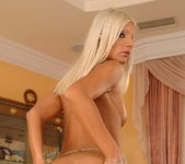 Jessy Wynn - Magic Blondes 6