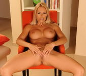 Wivien - Magic Blondes 10