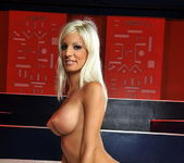 Jessy Wynn - Magic Blondes 20