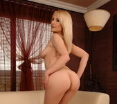 Nansy - Magic Blondes 7
