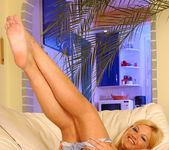 Sally - Magic Blondes 9