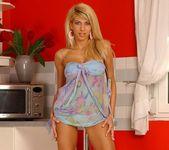 Clara G. - Magic Blondes 2