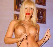 Dolores Dirty - Magic Blondes 5