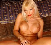 Dolores Dirty - Magic Blondes 19
