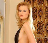Sophie Paris - Magic Blondes 6