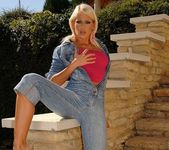 Dorina Toying Outdoors - Open Air Pleasures 2