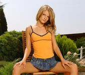 Cayenne Toying Outdoors - Open Air Pleasures 2