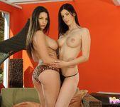 Pussy Licking with Zafira & Mira 4