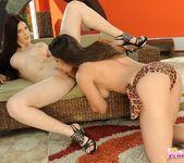Pussy Licking with Zafira & Mira 5