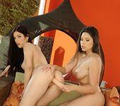 Pussy Licking with Zafira & Mira 18