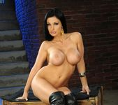 Aletta Ocean - Pix and Video 4