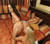 Debbie White & Nikky Thorne Eating Pussy 5