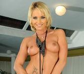 Kathia Nobili - Pix and Video 2