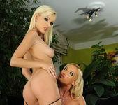Dirty Lesbians Bianca Golden & Kathia Nobili 3