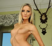 Neilla Toying - Pix and Video 5