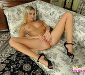 Neilla Toying - Pix and Video 16