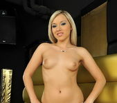 Chrystal Toying - Pix and Video 2