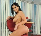 Christina Jolie - Pix and Video 7