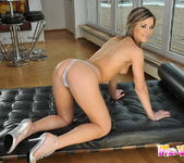 Carolin Toying - Pix and Video 6