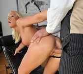 Kathia Nobili - Pix and Video 9