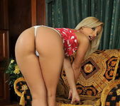Candy Toying - Pix and Video 3
