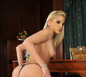 Laura King - Pix and Video 6