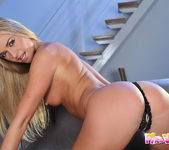 Dorina Gold - Pix and Video 3