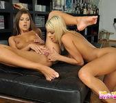 Dirty Lesbians Jasmine Rouge & Hannah Hunter 11