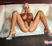 Jessy Wyn And Her Toys - Pix and Video 6