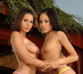 Dirty Lesbians Zafira & Anita Pearl 4