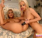 Dirty Lesbians Wivien & Sun 18
