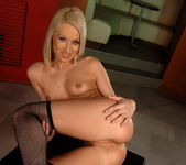 Kittie Toying - Pix and Video 9