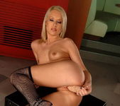 Kittie Toying - Pix and Video 16