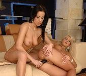 Horny Lesbians Tera Bond & Sindy Love 20