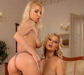 Horny Lesbians Carol Goldnerova & Karolina 6